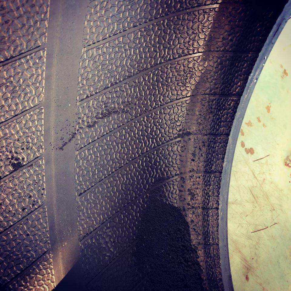 持ち込みタイヤ交換 スタッドレス履き替え タイヤ保管 ネット タイヤ 通販 直送 激安 格安 早い 安心 技術 楽 ネット予約 予約 電話予約 ブリヂストン ヨコハマ ダンロップ アジアン