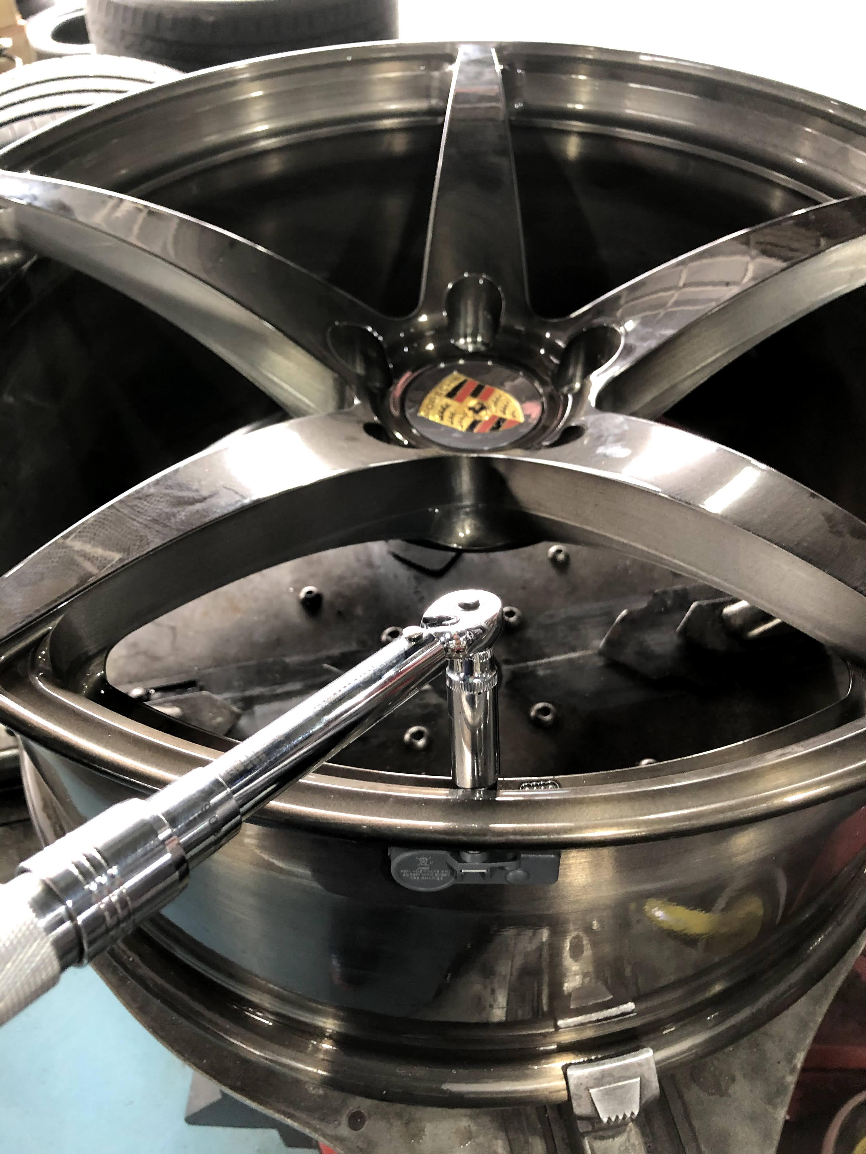 カイエンターボS タイヤ交換 持ち込み